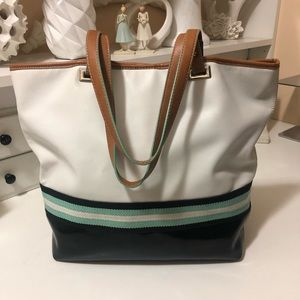 Nine West new conditions patent leather totes